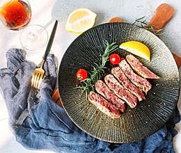 新手煎牛排|原味5分熟牛排的做法