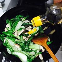 香菇炒油菜的做法图解5