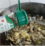 蘑菇炒鸡蛋的做法图解5