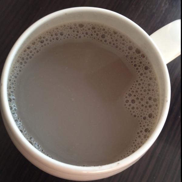 黑豆核桃芝麻豆浆的做法