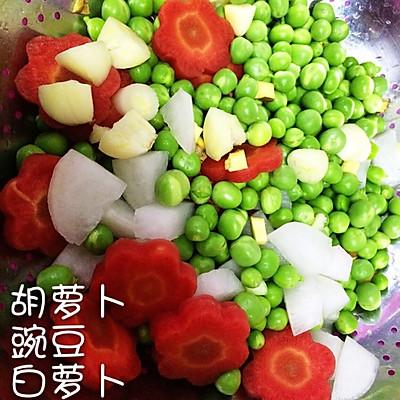 豌豆焖排骨—简单营养均衡的做法 步骤2