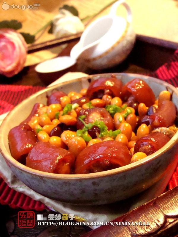 香辣黄豆猪尾煲的做法