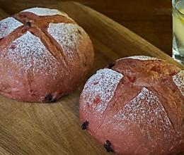 草莓软欧面包的做法