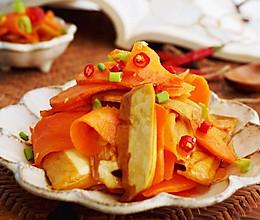 补充多种维生素就这么简单   豆干素炒胡萝卜的做法