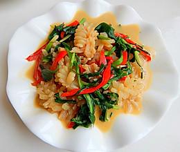韭菜炒鱿鱼花的做法