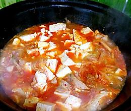 辣白菜五花肉炖豆腐的做法