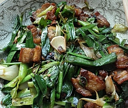 大蒜炒肉的做法