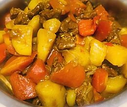 超级下饭~简单咖喱牛肉炖土豆的做法