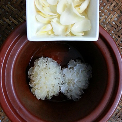 美丽尤物--银耳红枣羹的做法 步骤6