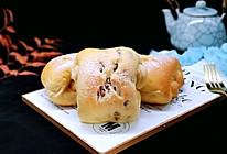 #《风味人间》美食复刻大挑战#红豆日式咖啡面包卷的做法