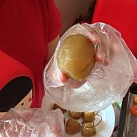 经典蛋黄莲蓉月饼#长帝烘焙节#的做法图解3