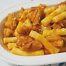 #以美食的名义说爱她#鸡排辣炒年糕,让妈妈尝尝韩式口味菜
