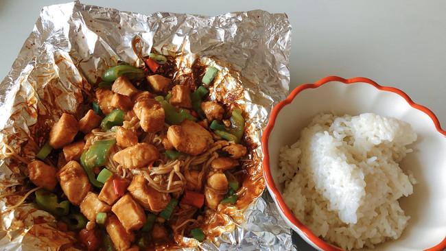 减脂下饭系列:锡纸鸡胸肉金针菇的做法
