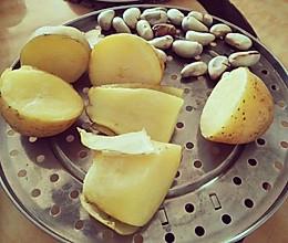 超简单早午晚餐!百变蒸土豆,配菠萝蜜籽的做法