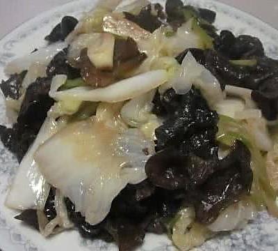 大葱炒白菜木耳