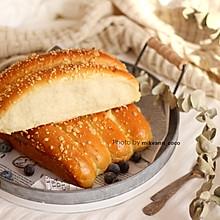 #快手又营养,我家的冬日必备菜品#云朵般柔软的杏仁香酥小排包