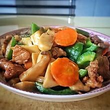 杏鲍菇胡萝卜青椒炒肉