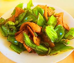 五花肉炒青椒的做法