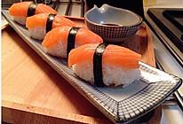 【三文鱼寿司】唯有品尝才能告诉你一切的做法