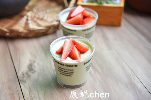 草莓抹茶慕斯蛋糕#德国Miji爱心菜#的做法