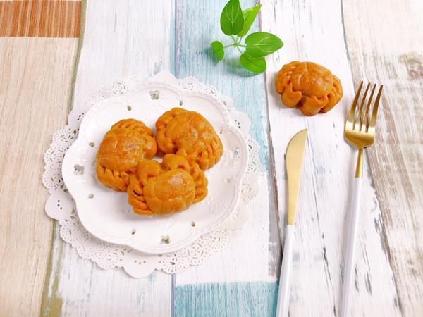 #晒出你的团圆大餐#金沙奶黄蔓越莓月饼的做法