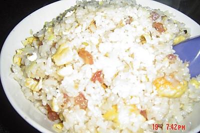 香肠鸡蛋炒饭