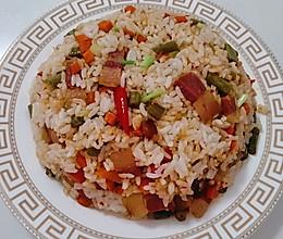 #全电厨王料理挑战赛热力开战!#酸豆角腊肉炒饭的做法