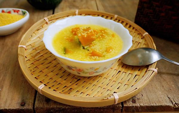 秋季养生即当饭又当菜一分钟教会你小米南瓜粥的做法