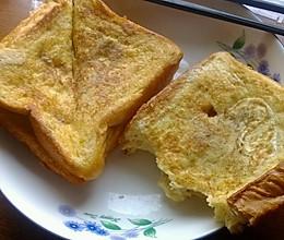 鸡蛋煎土司的做法