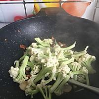 干锅花菜#春天不减肥,夏天肉堆堆#的做法图解6