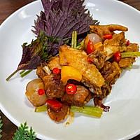 10分钟完成的秘制紫苏葱香焖鸡的做法图解7