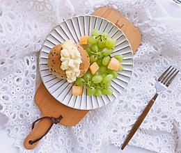 鸡蛋沙拉三明治—附自制健康沙拉酱的做法