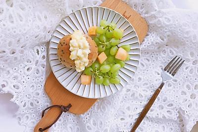 鸡蛋沙拉三明治—附自制健康沙拉酱