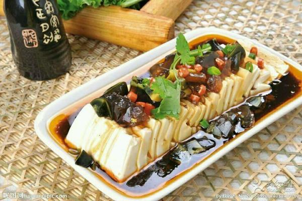 皮蛋豆腐的做法