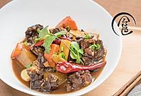 「回家菜谱」——萝卜牛腩煲的做法