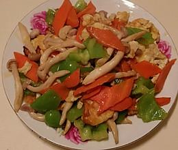 白玉菇胡萝卜青椒炒鸡蛋#厨此之外锦享美味#的做法