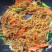#秋天怎么吃#火腿肠炒面的做法图解14