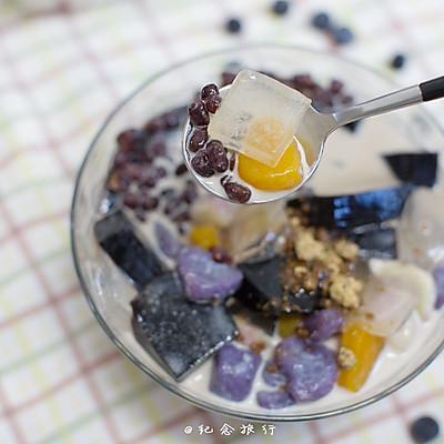 夏日经典冷饮--秒杀鲜芋仙黑白凉粉芋圆做法