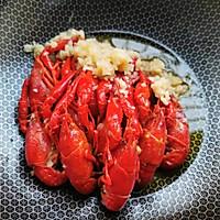蒜香小龙虾焖面的做法图解3