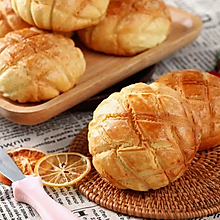香酥甜软の菠萝包