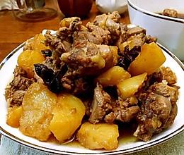 黄金土豆焖鸭的做法