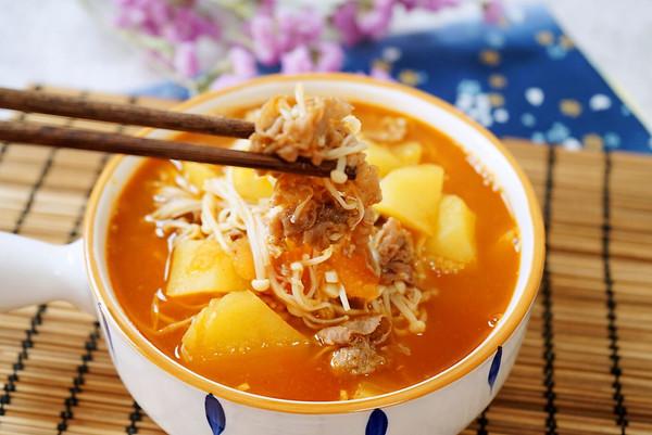 越吃越上瘾的土豆番茄肥牛卷的做法