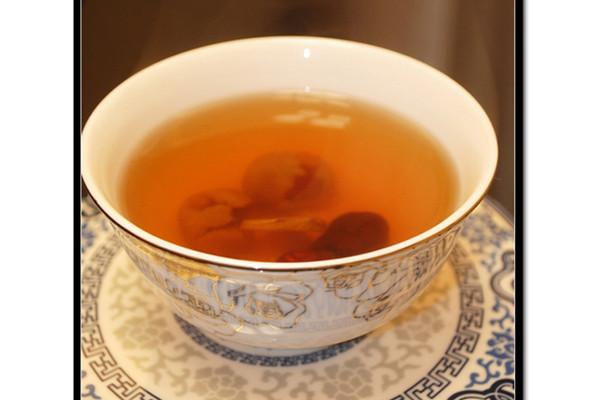 抗甲流的暖身姜汁红枣茶的做法