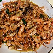 油爆小河虾 外皮香脆 肉质鲜美