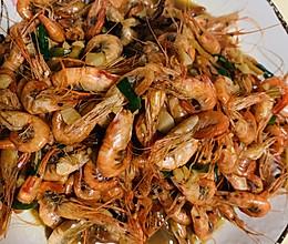 油爆小河虾 外皮香脆 肉质鲜美的做法