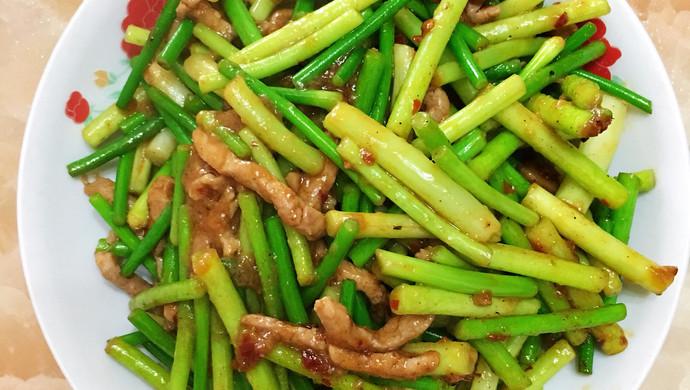 年味十足的蒜苔肉丝