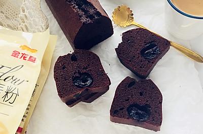 巧克力黑樱桃磅蛋糕