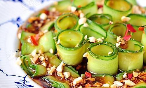 #菁选酱油试用之口水黄瓜的做法