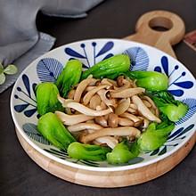 小油菜炒蟹味菇#节后清肠大作战#