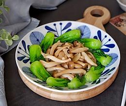 小油菜炒蟹味菇#节后清肠大作战#的做法
